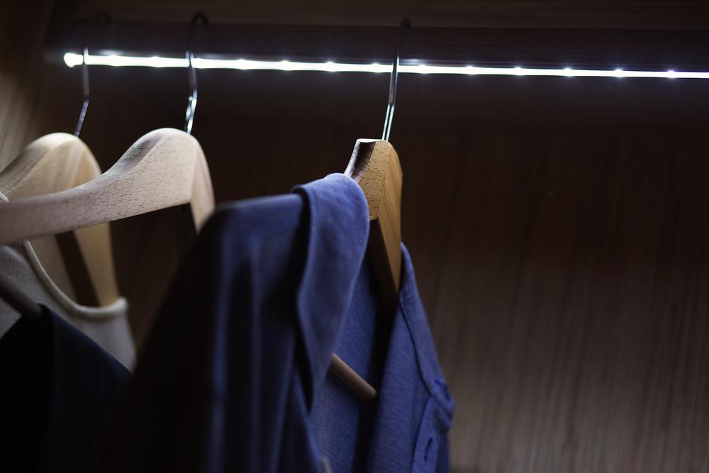 wardrobe-lighting-image